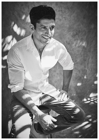 The-Man-Farhan-Akhtar-(29th-May-2017)10569