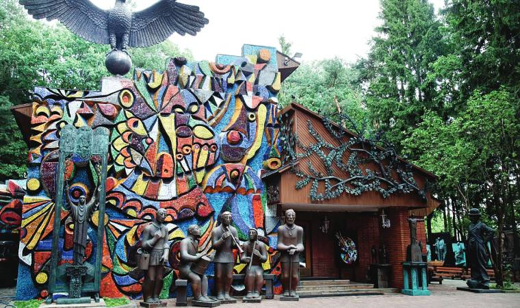 Sculptures and paintings by Zurab Tsereteli displayed at his dacha in Moscow