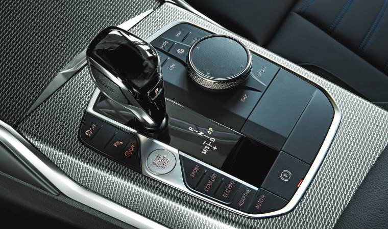 The Personal Assistant helps drivers keep their eyes and hands on the road by simply voicing instructions that can adjust basic features within the car.