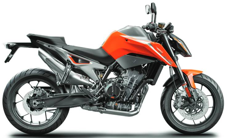 KTM's 790 Duke shares styling cues with the brand's flagship, the KTM 1290 Super Duke R