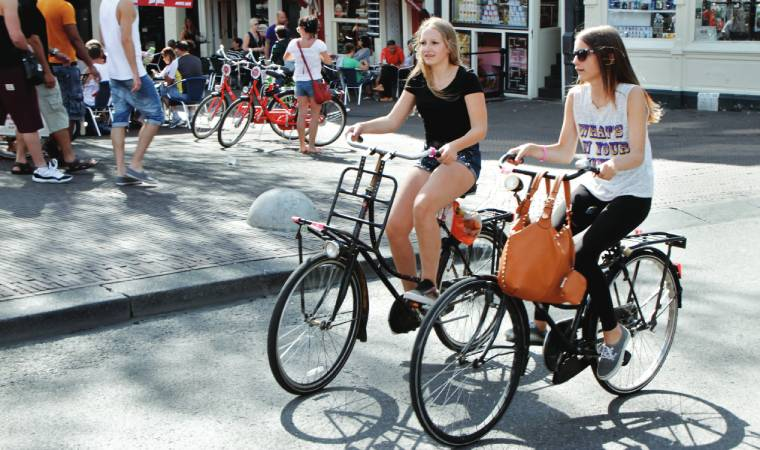 Amsterdam promotes the pedal culture