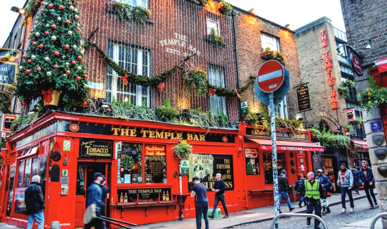 You could go on an immersive pub crawl experience with Dublin Pub Crawl conducted every Friday and Saturday.